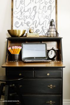 Sometimes it's just necessary to have multi-purpose rooms. Here are 4 Ways that I Create a Stylish Home Office in the Living Room.