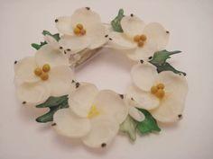 Vintage shell flower pin brooch