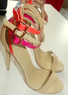 Kup mój przedmiot na #vintedpl http://www.vinted.pl/damskie-obuwie/sandaly/12143825-szpilki-bezowe-nowe-39-deezee-summer-nude-multi-heeled-sandals