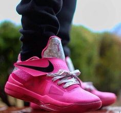 Pink kevin durants shoes