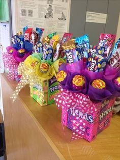 √ DIY Gift Basket Ideas for Men, Women and Babies on a Budget (Food & Non Food - birthday Cake Ideen Candy Gift Baskets, Diy Gift Baskets, Candy Boxes, Gift Baskets For Kids, Homemade Gift Baskets, Valentine Gift Baskets, Candy Gift Box, Valentine Gifts For Kids, Basket Gift