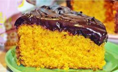 Receita De Bolo De Cenoura. Aprenda a fazer uma deliciosa receita de bolo de cenoura com uma cobertura deliciosa, uma receita simples e fácil de fazer !