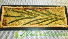 Quiché de salmón y espárragos verdes | ConDosCucharas.com Bread, Cooking, Food, Recipes With Vegetables, Salads, Salmon Quiche, Bon Appetit, Dinner, Meal