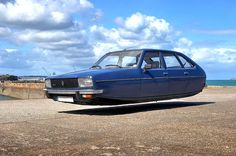 Flying car. Pinned by: www.koenvandieren.com #photography