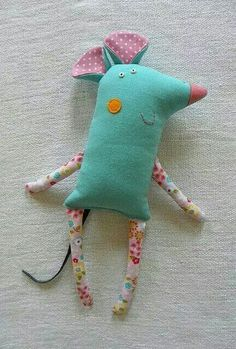 Sewing projects toys children Ideas for 2019 Felt Crafts, Fabric Crafts, Sewing Crafts, Diy And Crafts, Sewing Projects, Softies, Plushies, Baby Toys, Kids Toys