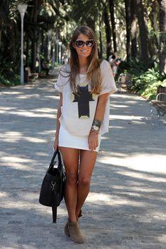 Camiseta/T-shirt - Mekdes  Falda/Skirt - Oasap  Botines/Booties - Zara (SS 12)  Bolso/Bag - Oasap  Gafas de sol/Sunglasses - Marc Jacobs  Anillo/Ring - H (old)