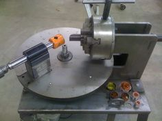 Degree Wheel Tube Notcher - Homemade tube notcher featuring a degree wheel base and utilizing a lathe chuck to secure the workpiece. Welding Shop, Welding Tools, Metal Welding, Woodshop Tools, Homemade Tube, Homemade Tools, Metal Working Tools, Metal Tools, Metal Projects
