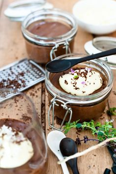 Chocolate Mousse with Creme de Cacao blanc (Gluten free) Cold Desserts, Healthy Desserts, Paleo Keto Recipes, Cooking Recipes, Dark Chocolate Mousse, Ice Cream Treats, Cacao, How Sweet Eats, Yummy Treats
