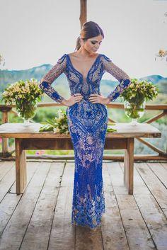vestido manga longa- azul bordado - Thassia naves