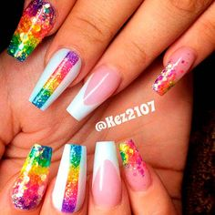 Glitter Rainbow Ombre glitternails rainbownails ❤ Ombre nails are versatile and fun, so even a novice can pull off an ombre look. In case you do not seek easy ways, we have something for you, too! naildesignsjournal nails nailart naildesigns ombrenails Na Diy Nails, Cute Nails, Pretty Nails, Glitter French Manicure, Glitter Nails, Ombre Look, Beautiful Nail Polish, Christmas Manicure, Rainbow Nails