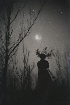 Dark forest, glow of the lake, an eternal dance of death Wiccan, Magick, Pagan Witchcraft, Foto Portrait, Images Gif, Dark Images, Witch Craft, 3d Fantasy, Season Of The Witch