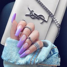 The advantage of the gel is that it allows you to enjoy your French manicure for a long time. There are four different ways to make a French manicure on gel nails. Coffin Nails Matte, Best Acrylic Nails, Gel Nails, Toenails, Stiletto Nails, Glitter Nails, Nails Yellow, Matte Purple Nails, Black Nails