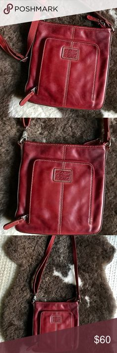 Fossil Leather Crossbody! Rich Cranberry color❤️ In excellent condition! Practically brand new even though it's a little vintage. Beautiful rich cranberry leather. Bags Crossbody Bags