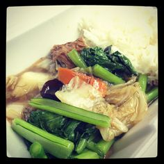 vegetarian : chinese broccoli, napa cabbage, shiitake mushroom, bean curd, carrots, vermicelli w/ steamed rice
