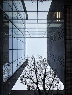Gallery of SJ Office Building / Le Sixieme - 5