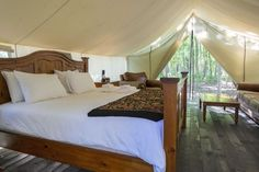 Planning for your June holidays? Glamping is the latest trend to hit holidaygoers. Here are our top 5 recommendations to camp out in style in nearby Malaysia. Luxury Tents, Luxury Camping, Go Glamping, Tent Camping, Minocqua Wisconsin, Bungalow, Images Of Summer, Wall Tent, Trends