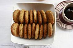Ecco la ricetta dei biscotti integrali con miele Bimby, a base di farina integrale. Prepara questi biscotti per colazione sani, veloci e facili da fare