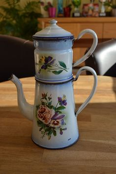 cafetiere emaillee motif fleurs 1920