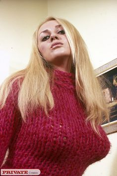 Fluffy Mohair and Huge Boobs — homair: One of my favorite sweatergirls from the. Vintage Mom, Girls Sweaters, Cardigans For Women, Chunky Sweaters, Layla London, Mom Series, Gros Pull Mohair, Mom Pictures, Photo Viewer