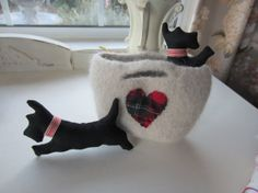 HandMADE ScoTTie DOGS With Felted WOOL CaRRYING CASE