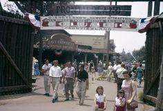 Disneyland Frontierland 1958