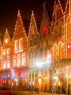 Yule love it: seasonal stalls at the Grote Markt in Bruges