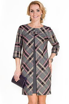Swing coat in diagonal plaid.Loving this retro coat dressSo nice and comfy African Attire, African Fashion Dresses, African Dress, Simple Dresses, Casual Dresses, Kleidung Design, Robes Glamour, Check Dress, Dress Sewing Patterns