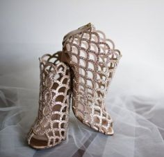 Wedding shoes idea; Featured Photographer: Ashley Therese Photography