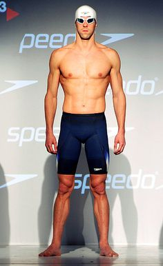 Michael Phelps' Hot Body Evolution - Us Weekly Michael Phelps Workout, Michael Phelps Body, Michael Phelps Swimming, Olympic Swimmers, Olympic Gymnastics, Olympic Sports, Olympic Games, Swimmer Problems, Girl Problems