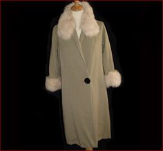 Coat style for Bugsy Malone - Tallulah would want a nice fur (use fake of course) collar.