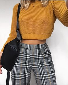Outfits and flat lays we fell in love with. See more ideas about Casual outfits, Cute outfits and Fashion outfits. Fashion Trends, Latest Fashion Ideas and Style Tips. Look Fashion, 90s Fashion, Winter Fashion, Womens Fashion, Fashion Trends, Fashion Pants, Fashion Ideas, Fashion Vintage, Fashion Black
