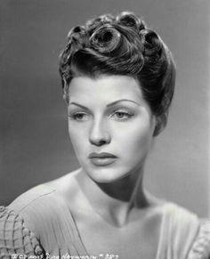 Rita Hayworth - pin curls