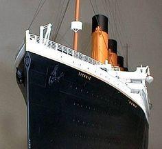 """O desastre do Titanic é lendário, marcou o século 20 fascinando gerações e até hoje ainda arrebata a imaginação de milhões de pessoas! Uma das principais razões para esta fascinação é que o Titanic era supostamente o navio mais seguro do mundo e utilizava a tecnologia mais avançada da época. Era o navio """"inafundável""""! Mas… Rms Titanic, Titanic Art, Titanic Model, Titanic History, Titanic Behind The Scenes, Cunard Ships, National Geographic, Tall Ships, Model Ships"""