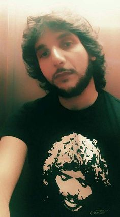 Antonio Reyes con la camiseta del Espectáculo Eterno Camarón.