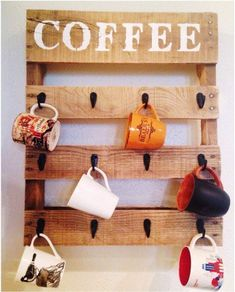 22 Easy DIY Reclaimed Wood Projects for Your Home, DIY and Crafts, Craft this cute coffee mug organizer that will add an artistic piece to your kitchen wall. Use paint and a sponge for the stenciled top. Pallet Crafts, Diy Pallet Projects, Pallet Ideas, Wood Ideas, Wood Projects That Sell, Pallet Designs, Simple Wood Projects, Diy Wood Crafts, Diy Home Projects Easy
