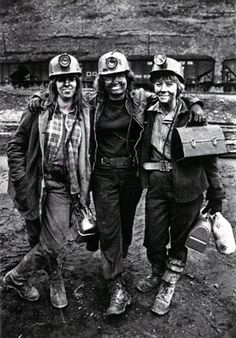 Coal Mining Towns | Women coal miners, Vansant, Va., in 1976. Courtesy Earl Dotter (www ...