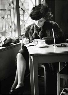 Wonderful dame writing in a cafe. I like to think she is drinking Earl Gray tea. Coffee Girl, Coffee Shop, Coffee Club, Sexy Coffee, Nathalie Sarraute, Coffee And Cigarettes, Magazine Pictures, Photojournalism, Coffee Drinks