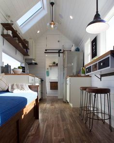 """3,565 Likes, 49 Comments - Better Homes & Gardens (@betterhomesandgardens) on Instagram: """"#tinyhouse, big details  What are you thoughts on the tiny home life? : @tinyheirloom"""""""