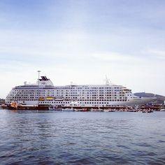 The World en el puerto de Ferrol