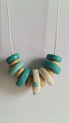 Guarda questo articolo nel mio negozio Etsy https://www.etsy.com/it/listing/271862510/collana-minimale-con-perle-piatte
