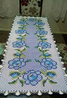 Granny Square Crochet Afghan blanket, handmade blanket with rose desing for double bed, King size bed throw blanket Gifts For Bookworms, Gifts For Readers, Cross Stitch Embroidery, Hand Embroidery, Hardanger Embroidery, Beaded Embroidery, Bordado Tipo Chicken Scratch, Lace Beadwork, Swedish Embroidery