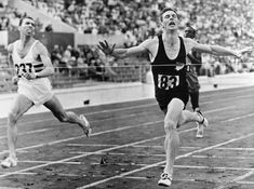 Peter Snell as he wins the gold medal at the Rome Olympics in 1960. One of the truly iconic moments in NZ sport.