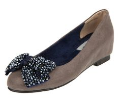 Le Bunny Bleu UK - Minia Ballet Flats 3020-Gray - LeBunnyBleu specializes in Romantic & Vintage Style women's flat shoes that include: Ballet Flats, Slip Ons, Oxfords, Sandals, Fashion Sneakers, Rain Boots and Wool Boots