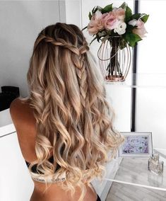 22 perfect prom hairstyles for a head turning effect in the party - new site . - 22 Perfect Prom Hairstyles for a Head Turning Effect in the Party – New Site 22 Perfect Prom Hair - Hair Inspo, Hair Inspiration, Pretty Hairstyles, Wedding Hairstyles, Amazing Hairstyles, Latest Hairstyles, Hairstyles For A Party, Curled Hairstyles For Prom, Braid And Curls Hairstyles