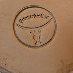 Atölyemin mührü… #handmadeart #clay #ceramic #ceramica #seal #myatelier #ateliername #camurlueller #handbuilding #clayart #ceramicstudio #atolye @camurlueller #seramikatolye #mührüm #kusadasi #ceramicist #ateliermood @yaseminsozkesensen (Çamurlueller...