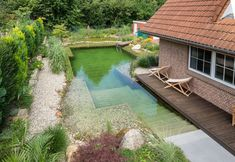Wow check out this incredible photo - what an artistic theme Natural Swimming Ponds, Natural Pond, Swimming Pools Backyard, Ponds Backyard, Patio Gazebo, Diy Pergola, Piscine Diy, Jacuzzi Outdoor, Beautiful Pools
