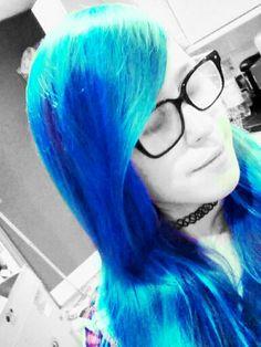 Blue hair :3