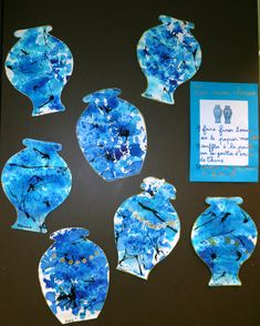 Les vases chinois : encre bleue de Chine sur papier humide, encre de Chine noire soufflée et graphisme au feutre or Posca