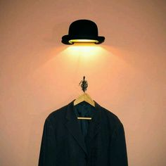 René Magritte Inspired Jeeves Bowler Hat Wall Fixture by Innermost. See more ideas in 22 Old Things That Make Awesome DIY Lamps. Deco Luminaire, Luminaire Design, Home Lighting, Lighting Design, Lighting Ideas, Diy Luz, Regal Design, Modern Design, Home And Deco