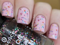 Spektor's Nails: Glitter Sandwich: China Glaze - Something Sweet / Essence - Circus Confetti / Essence - Sweet As Candy
